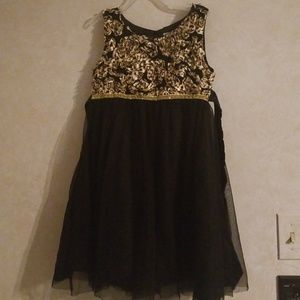 Cherokee girls black and gold dress 7/8 medium